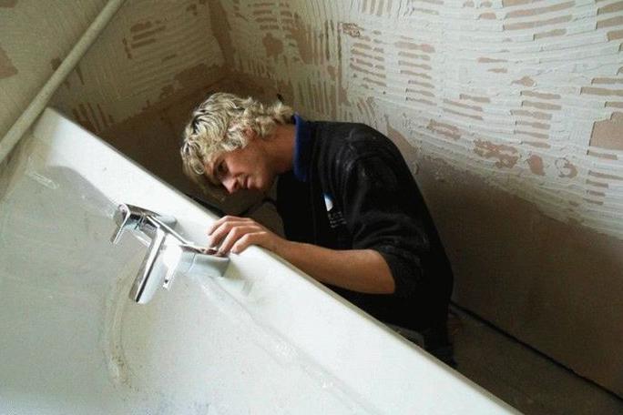 Установка сантехники в ванной комнате своими руками - технические моменты