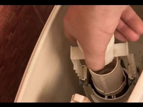 Течет унитаз-компакт, вода постоянно стекает в чашу, что делать